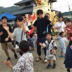 親子盆踊りの「ハムちゃんず」です。お父さんやお母さんと楽しく踊る様子が見られました。