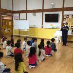 舞鶴警察署と平駐在所の警察の方に来て頂き、交通安全教室を行いました。