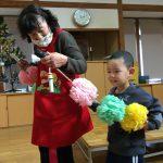 12月生まれのお友だちをお花の列車で迎えに行きました。