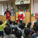 待ちにまったサンタさんが来てくれ、大喜びの子どもたちでした。