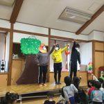 みんなも一緒に歌ったり、踊ったりしながら楽しんで見ていました。