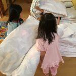 2日目の朝です。起床後はみんなで協力をして布団の片づけをしました。
